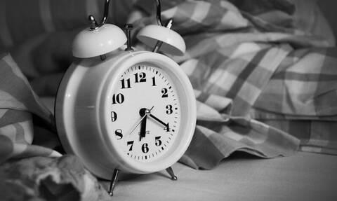 Προσοχή: Ξυπνάς συχνά στις τρεις με πέντε τα ξημερώματα; Δες τι σημαίνει