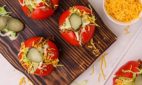 Η συνταγή της ημέρας: Cheeseburger ντομάτες