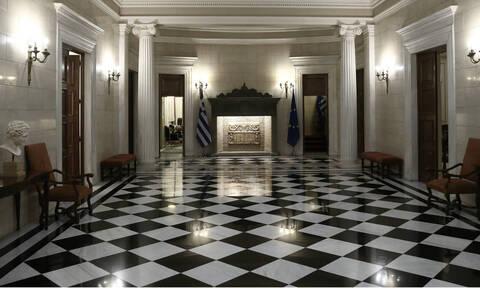 Κοροναϊός στην Ελλάδα: Έκτακτα μέτρα για την Οικονομία – Εξετάζεται αναστολή καταβολής ΦΠΑ