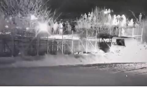 Έβρος: Βίντεο ντοκουμέντο - Τουρκικό τεθωρακισμένο προσπαθεί να γκρεμίσει τον φράχτη