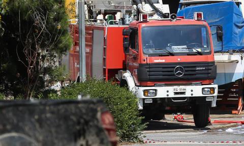 Τραγωδία στη Σαλαμίνα: Άνδρας εντοπίστηκε νεκρός στο δωμάτιο του μετά από πυρκαγιά