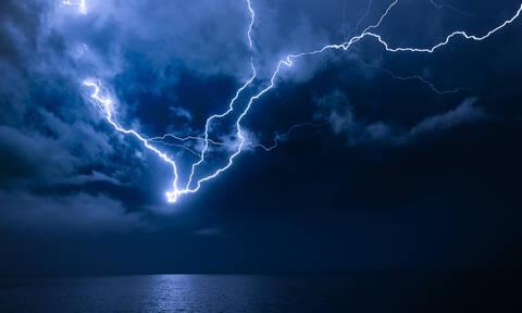 Νέο έκτακτο δελτίο επιδείνωσης καιρού: Έρχονται βροχές, καταιγίδες, χαλάζι και θυελλώδεις άνεμοι