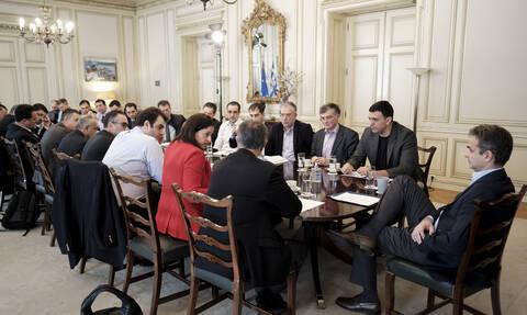 Κοροναϊός στην Ελλάδα: Ανακοινώνονται μέτρα για τα σχολεία - Τι ειπώθηκε στη σύσκεψη στο Μαξίμου