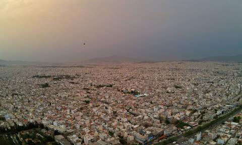 Προσοχή! Αφρικανική σκόνη «πνίγει» την Ελλάδα - Δείτε ποιες περιοχές θα καλύψει (vid)
