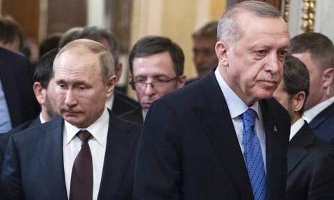 Ο Ερντογάν βρήκε τον δάσκαλό του – Ο Πούτιν τον έστησε και τον άφησε όρθιο να περιμένει