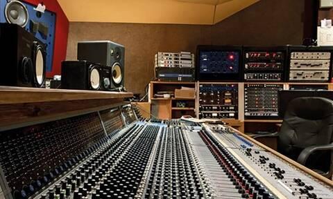 Ταινία για το θρυλικό στούντιο Rockfield, όπου έχουν ηχογραφηθεί οι μεγαλύτερε ροκ επιτυχίες (video)