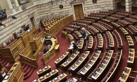 Κοροναϊός στην Ελλάδα: Σε κατάσταση συναγερμού «επιπέδου 1» η Βουλή