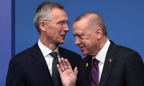 ΤΟ NATO στηρίζει Ερντογάν - «Φταίει η Ελλάδα για το μεταναστευτικό», λέει ο «σουλτάνος»