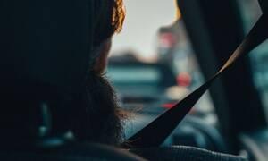Τραγωδία: Κοιμόταν στο πίσω κάθισμα, έπεσε στο δρόμο και την χτύπησαν δύο Ι.Χ. - Νεκρή 35χρονη