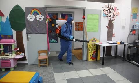 Κοροναϊός - Δραματική έκκληση δημάρχων και δασκάλων: Κλείστε τώρα όλα τα σχολεία