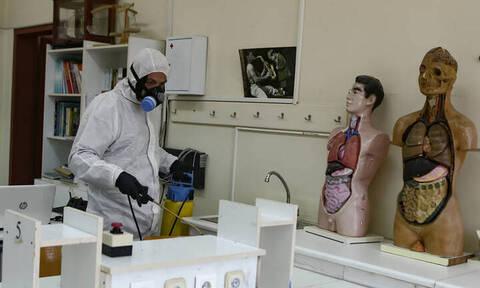 Κοροναϊός: Θετική στον ιό εκπαιδευτικός στο δήμο Βάρης - Βούλας - Βουλιαγμένης