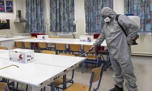 Κοροναϊός: Κλειστά σχολεία - Τι θα ισχύει για τους εργαζόμενους γονείς και τις επιχειρήσεις