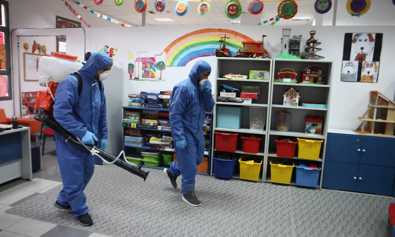 Κλειστά σχολεία – Κοροναϊός: «Λουκέτο» για 14 ημέρες σε σχολεία, φροντιστήρια – Πότε θα ανοίξουν