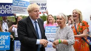 Κοροναϊός Βρετανία: Η υφυπουργός Υγείας έχει προσβληθεί από τον ιό