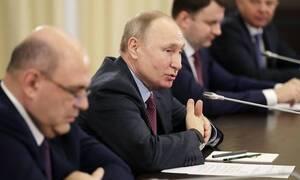 Путин: есть все шансы, что ключевые отрасли выйдут из кризиса окрепшими