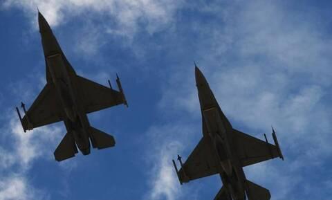 Βίντεο ντοκουμέντο: Η στιγμή που τουρκικά μαχητικά παρενοχλούν ελληνικό ελικόπτερο στον Έβρο