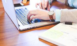 Κοροναϊός και Εργασία: Άδειες, επιδόματα και τηλεργασία - Όσα πρέπει να γνωρίζετε