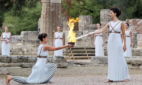 Κοροναϊός : Δείτε LIVE την τελετή αφής της Ολυμπιακής Φλόγας