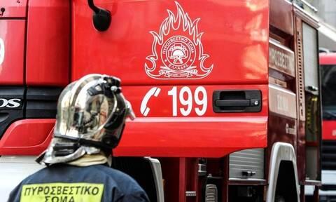 Φωτιά σε κτήριο στο Κολωνάκι - Κυκλοφοριακό κομφούζιο στην περιοχή
