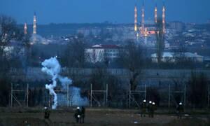 Έβρος - ΤΩΡΑ: Νέα απόπειρα εισβολής - Πετροπόλεμος και δακρυγόνα