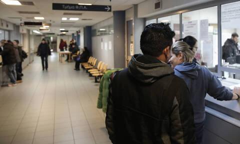 Κοροναϊός: Εγκύκλιος του ΥΠΕΣ για δημόσιους υπαλλήλους - Τι ισχύει για άδειες και μειωμένο ωράριο