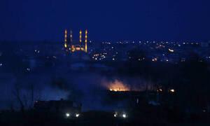Έβρος: «Μάχη» των ΜΑΤ με άτομα που επιχείρησαν να ρίξουν τον φράχτη (vid)
