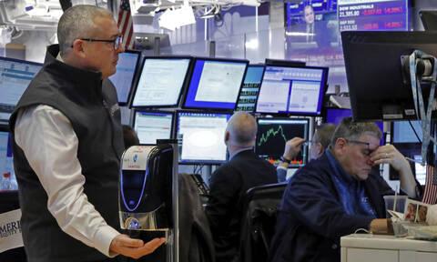 Κοροναϊός - «Κατέρρευσε» η Wall Street: Η μεγαλύτερη πτώση του Dow Jones μετά το κραχ του '87