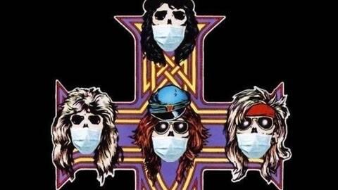 Οι Guns N' Roses με μάσκες για τον κοροναϊό