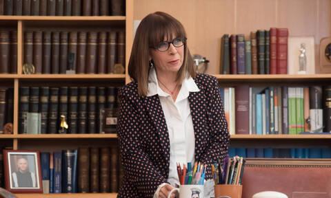 LIVE: Η Αικατερίνη Σακελλαροπούλου ορκίζεται Πρόεδρος της Δημοκρατίας