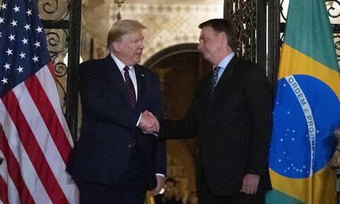 Θετικός στον κοροναϊό φέρεται ο Βραζιλιάνος πρόεδρος Μπολσονάρο - Είχε συναντηθεί με τον Τραμπ