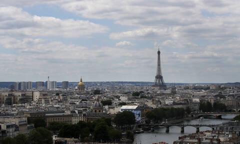 Kορονοϊός: «Λουκέτο» σε Πύργο του Άιφελ, Μουλέν Ρουζ και Βερσαλίες