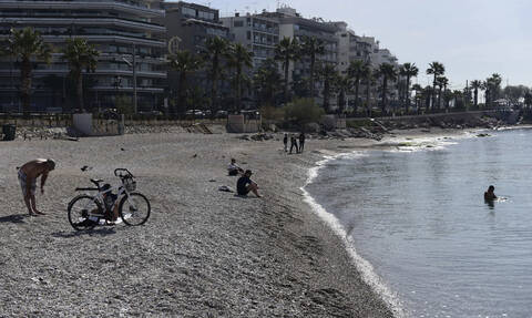 Κορονοϊός: Κλείνουν όλες οι οργανωμένες παραλίες και τα χιονοδρομικά με εντολή του πρωθυπουργού
