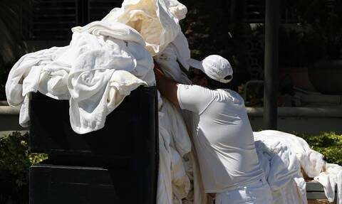 Κορονοϊός: Προσοχή! Μπορεί να «επιβιώσει» ο ιός στα ρούχα; Για πόσο χρόνο;