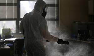 Κορονοϊός: Σοκαριστική πρόβλεψη Έλληνα καθηγητή - «5.000 κρούσματα τις επόμενες 15 ημέρες»