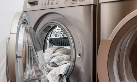 Έτσι θα σκοτώσετε τα μικρόβια στο πλυντήριο μ' ένα υλικό που έχετε στην κουζίνα σας (pics)