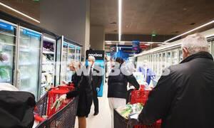 Κορονοϊός: Εξετάζονται αλλαγές στο ωράριο των σούπερ μάρκετ - Ποιες ώρες θα είναι ανοιχτά