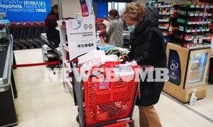 Κορονοϊός: Με κάρτα και ανά..τετραγωνικό στα σούπερ μάρκετ! Διευρύνεται το ωράριο - Ανοιχτά Κυριακές