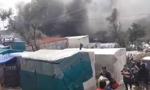 На Лесбосе в результате пожара в лагере для беженцев погибла 6-летняя девочка