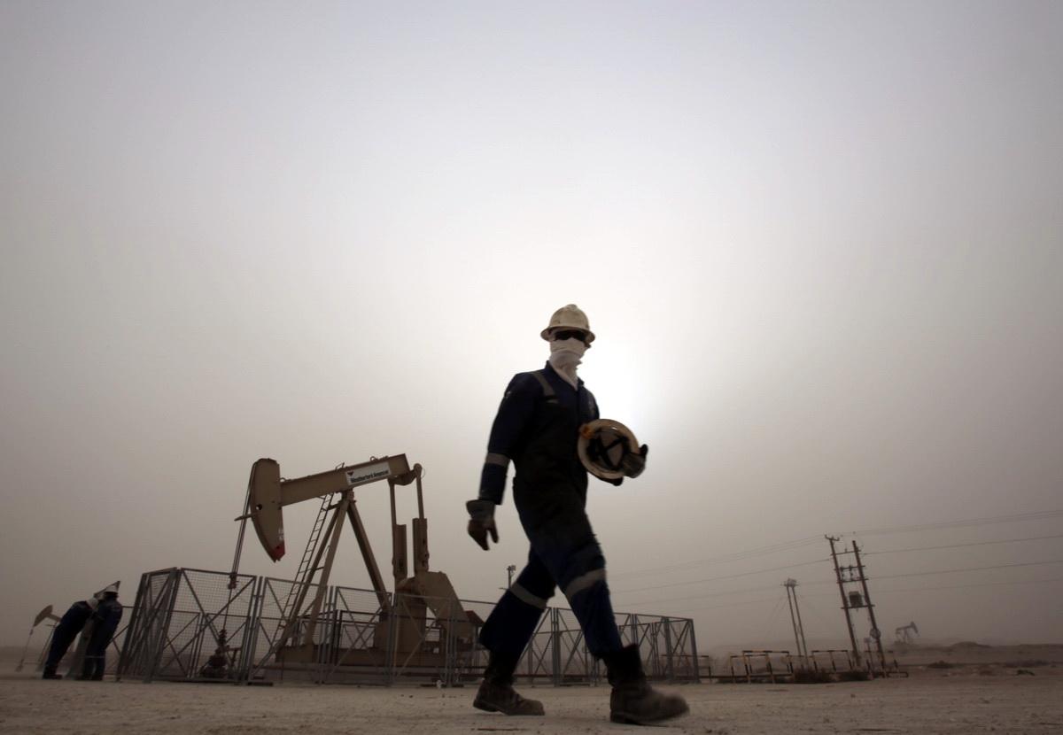 Wall Street: «Άγγιξε» τις 35.000 μονάδες ο Dow Jones - Νέα πτώση για το πετρέλαιο
