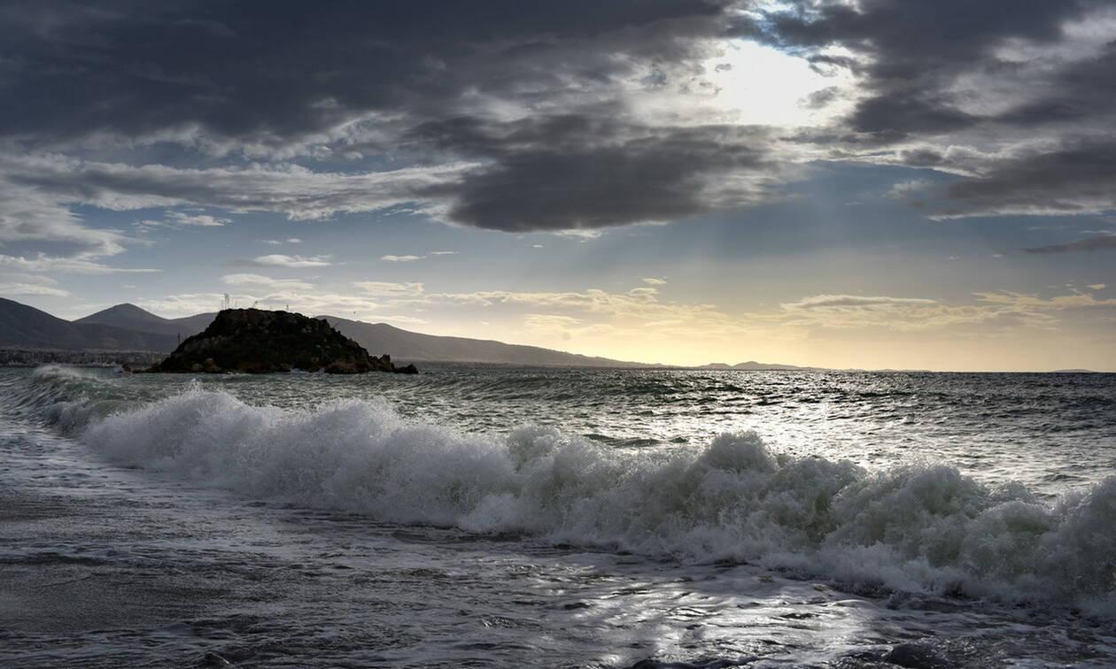 Καιρός: Με ηλιοφάνεια και άνοδο της θερμοκρασίας η Τρίτη - Θυελλώδεις οι άνεμοι στο Αιγαίο
