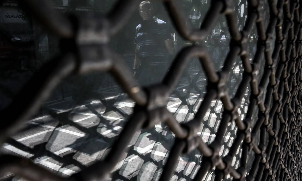 Κορονοϊός: «Έμφραγμα» στην οικονομία – Ποιες φορολογικές υποχρεώσεις μπορεί να ανασταλούν