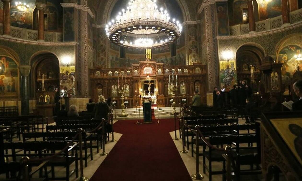 В Греции приостановили церковные литургии и закрыли храмы на карантин в связи с коронавирусом