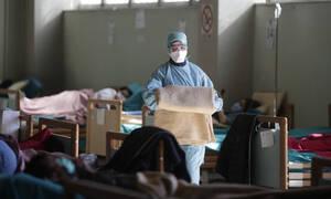 Κορονοϊός: Εφιαλτική πρόβλεψη για τον πλανήτη - Θα μολυνθεί το 70% των ανθρώπων