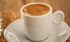 Κορονοϊός: Φυλάκιση και πρόστιμο για τον καφετζή που άνοιξε το μαγαζί