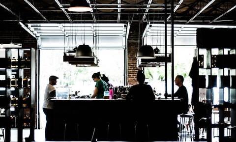 Έκλεινε το εστιατόριο λόγω κορονοϊού - Δεν φαντάζεστε φιλοδώρημα που άφησε άγνωστος (pics)