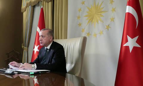 Τουρκία - τηλεδιάσκεψη: Ναι στα μέτρα προστασίας από τον κορονοϊό αλλά μόνο για τον Ερντογάν (pics)