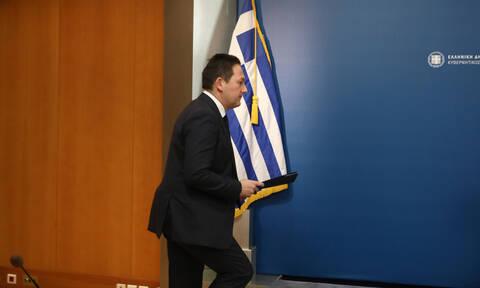 Κορονοϊός - Πέτσας: Αναμένεται ανακοίνωση απαγόρευσης συναθροίσεων