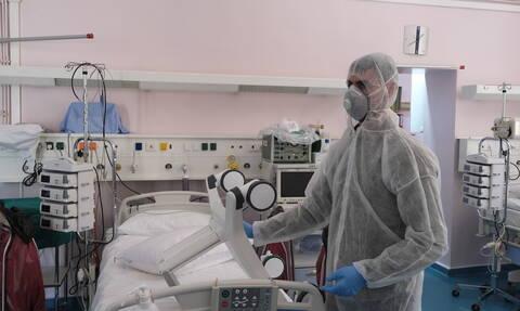 Κορονοϊός: Έλληνας επιστήμονας σοκάρει - «Θεωρώ σχεδόν αδύνατο να μη μολυνθώ»