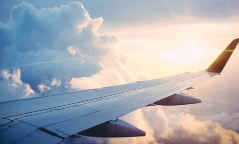 Χαμός στον αέρα: Επιβάτης χαστούκισε την αεροσυνοδό κατά τη διάρκεια της πτήσης (photos+video)