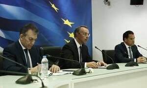 Κορονοϊός: Αποζημίωση 800 ευρώ σε εργαζομένους - Απαγόρευση απολύσεων σε κλειστές επιχειρήσεις